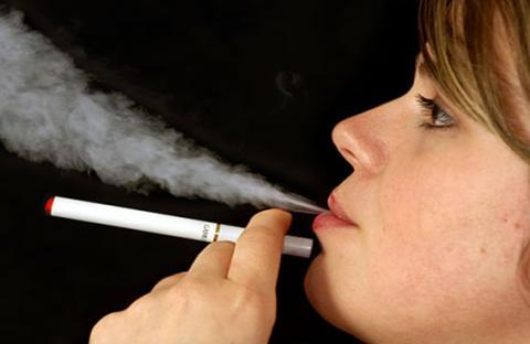 السيجارة الإلكترونية.. هل هي أقل ضرراً؟