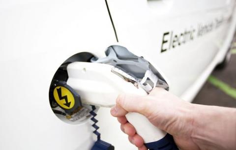 أوروبا تحتاج سيارات صديقة للبيئة
