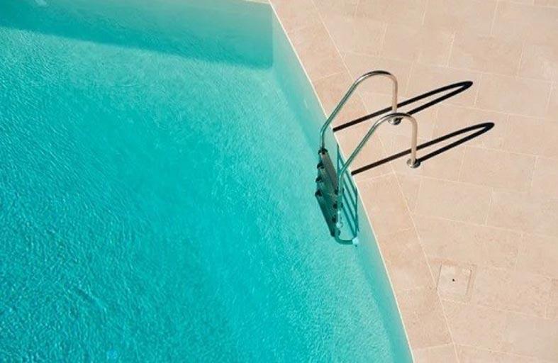كيف تعود للمسبح بأمان خلال أزمة كورونا؟
