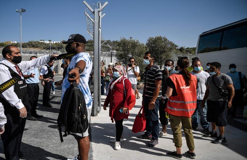 لاجئون سوريون يشاركون في اختيار خليفة ميركل