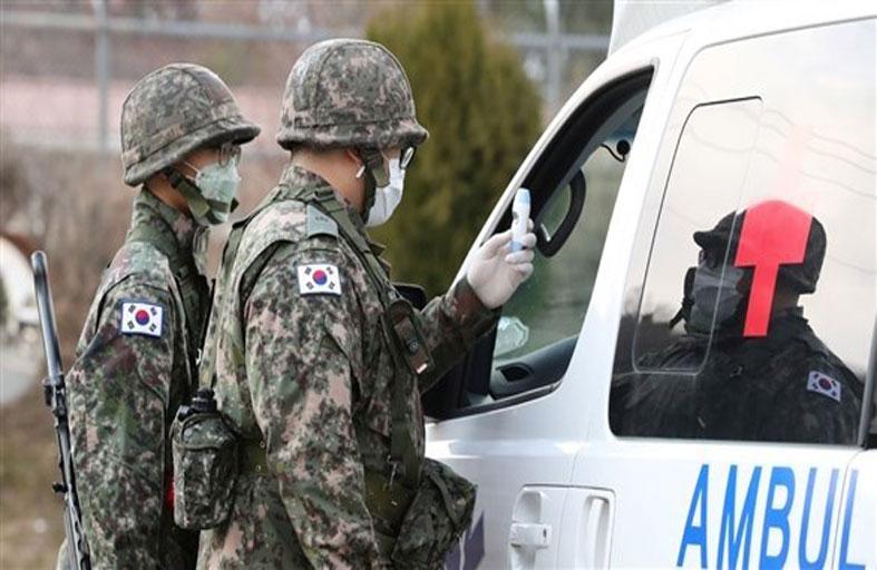 عزل مسؤولين في وزارة الدفاع الكورية بسبب كورونا