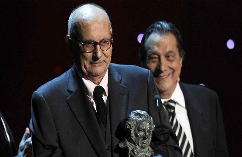 وفاة المخرج الإسباني ماريو كاموس