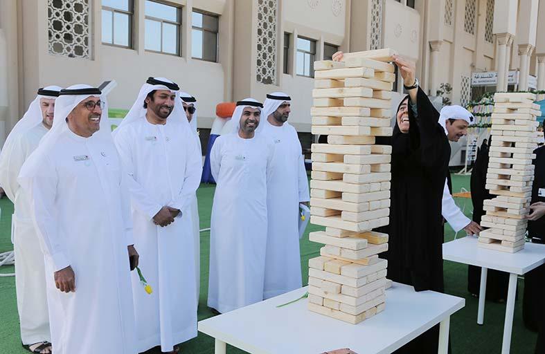محاكم دبي تحتفل بيوم السعادة العالمي