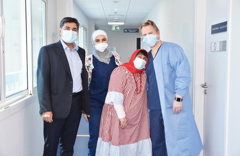 أطباء مستشفى مورفيلدز للعيون في أبوظبي ينجحون في إعادة البصر إلى مريضة من أصحاب الهمم