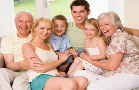 التجمع الأسرى يساعد الأجداد على تعدى مخاطر الاكتئاب
