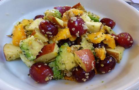 وصفات تحليات سريعة وسهلة مع كثير من الفاكهة
