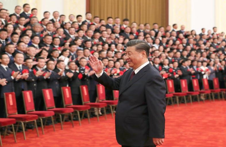 رون تشي تشيانغ، سقوط «المدفع الكبير» في بكين...!