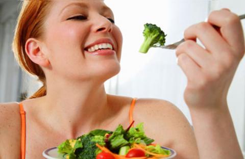تناول نفس الطعام يومياً قد يساعد على فقدان الوزن