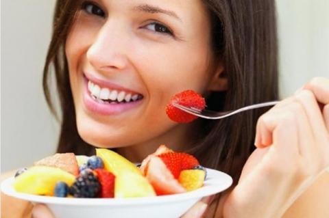 الفواكه تفيد البشرة