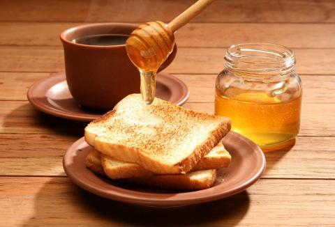 اكتشاف عناصر جديدة مفيدة في العسل