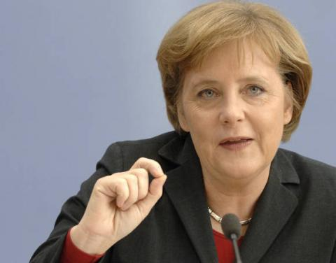 ميركل تتفقد باتريوت الألمانية في تركيا