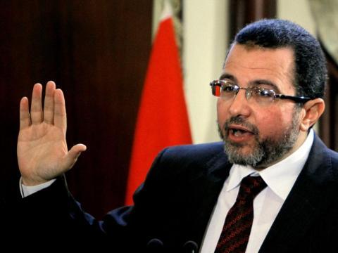 قنديل: مصر لن تجوع أو تفلس