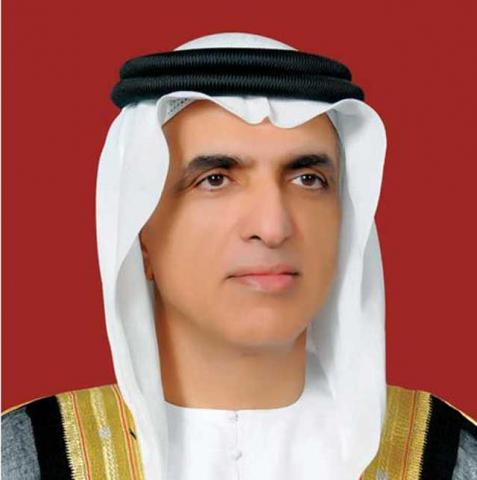 حاكم رأس الخيمة يطلع على المشاريع الجديدة لهيئة الكهرباء والماء في الإمارة