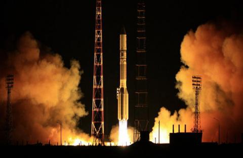 روسيا تطلق قمر اتصالات أوروبي