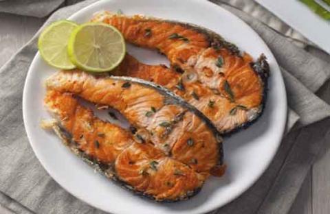 الأسماك الدهنية تقلل التهاب المفاصل للنساء