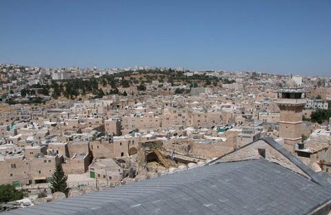 الاحتلال يحول البلدة القديمة في الخليل لمدينة أشباح