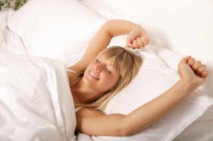 الانسان بحاجة الى نصف ساعة للشعور باليقظة صباحا
