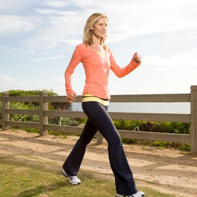 المشي يقلل خطر الاصابة بالسكتة الدماغية بين النساء