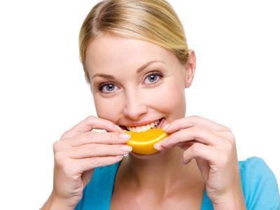 تناول برتقالة يوميا يساعد على الهضم