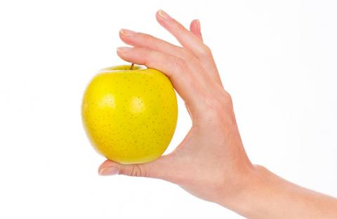 التفاح الأصفر يفيد قلبك وعينيك وجهازك المناعي