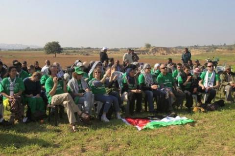 نشطاء أوروبيون ينهون زيارة تضامنية لغزة