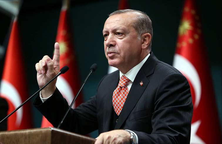 اردوغان يعود إلى رئاسة الحزب الحاكم