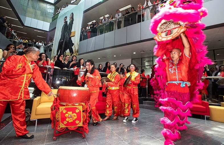 الاتحاد للطيران احتفت بزيارة الرئيس الصيني شي جين بينغ بمجموعة من الأنشطة الثقافية
