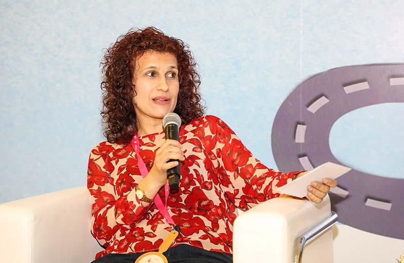 سناء شباني تبحث دوافع الكتابة للطفل في الشارقة القرائي