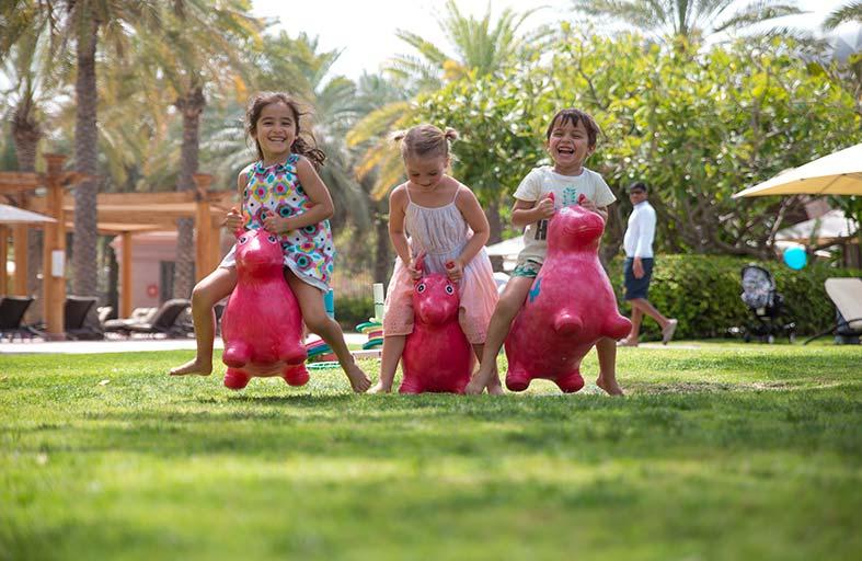 قصر الإمارات يرحّب بالأطفال في مخيم الربيع