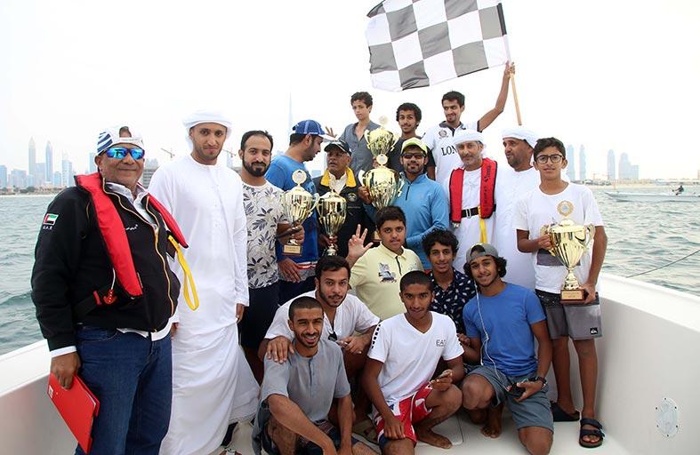 شمردل 7 بطل سباق دبي للشراعية 22 قدما