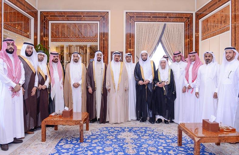 حاكم عجمان يستقبل وفد رجال أعمال سعوديين