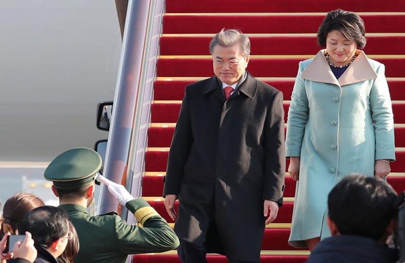 الرئيس الكوري الجنوبي يبدأ زيارة الى الصين