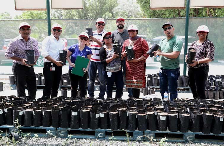 غرفة دبي تنظم أكبر فعالية تطوعية في الإمارات في «اعط و احصد»