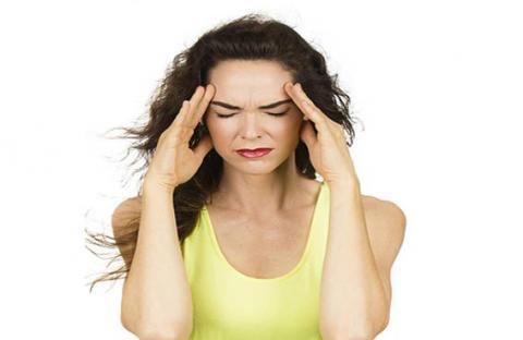 الصداع يسبب الاكتئاب  المزمن عند النساء