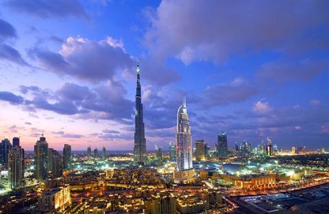 دبي .. أسطورة الصحراء وأول مدينة ذكية ورقمية في الشرق الأوسط
