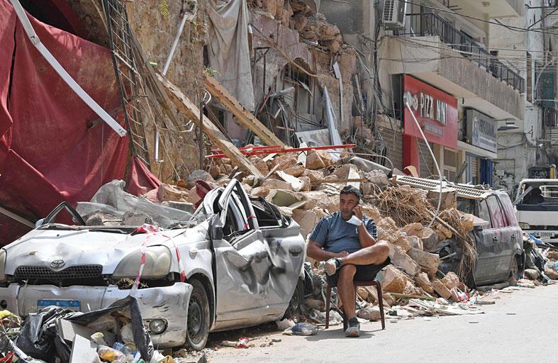 البرلمان اللبناني يقر الطوارئ في بيروت