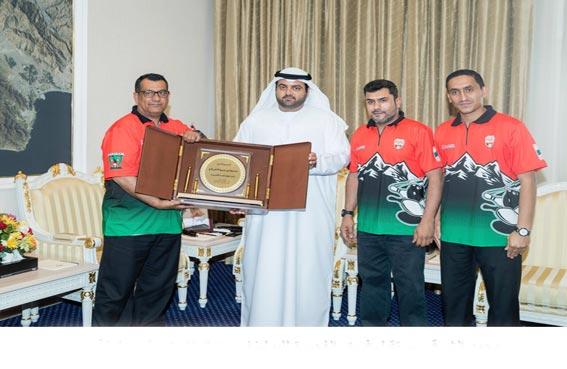 محمد الشرقي يستقبل فريق الفجيرة للبولينغ ويبارك إنجازه في بطولة دبي