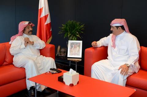 لدى استقباله الشيخ أحمد بن محمد .. خالد بن عبدالله يطلع على خطط وبرامج الاتحاد البحريني للتنس