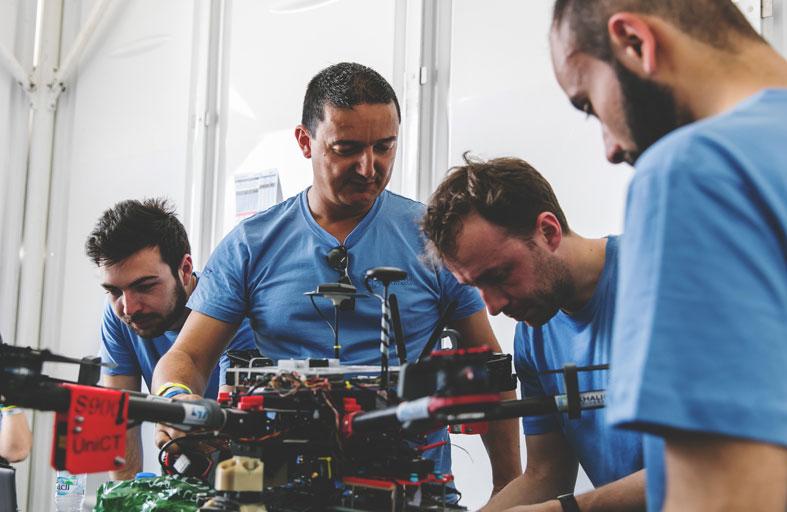 تحدي محمد بن زايد العالمي للروبوت 2020 يضم 32 فريقاً