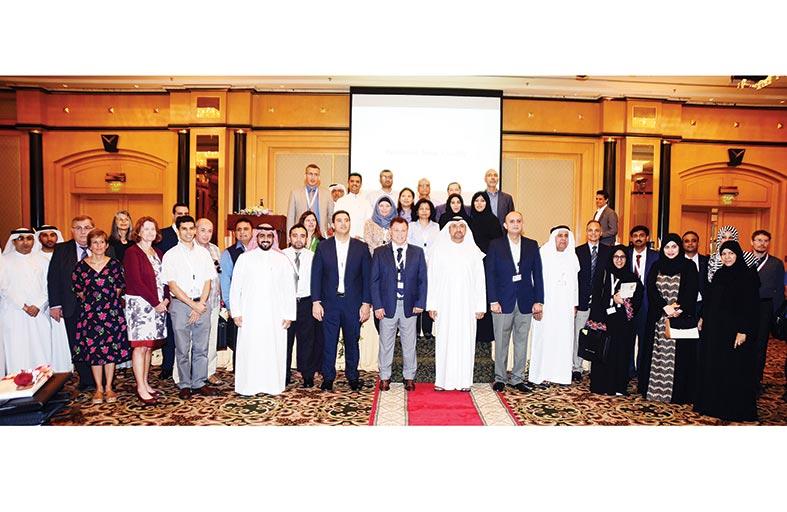 مدير جامعة الإمارات يلتقي بأعضاء هيئة التدريس الجدد والطلبة المستجدين