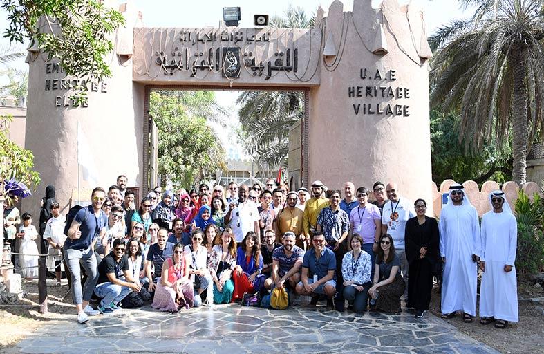 القرية التراثية تستقبل وفدا دوليا وتحتضن ورشة تراثية