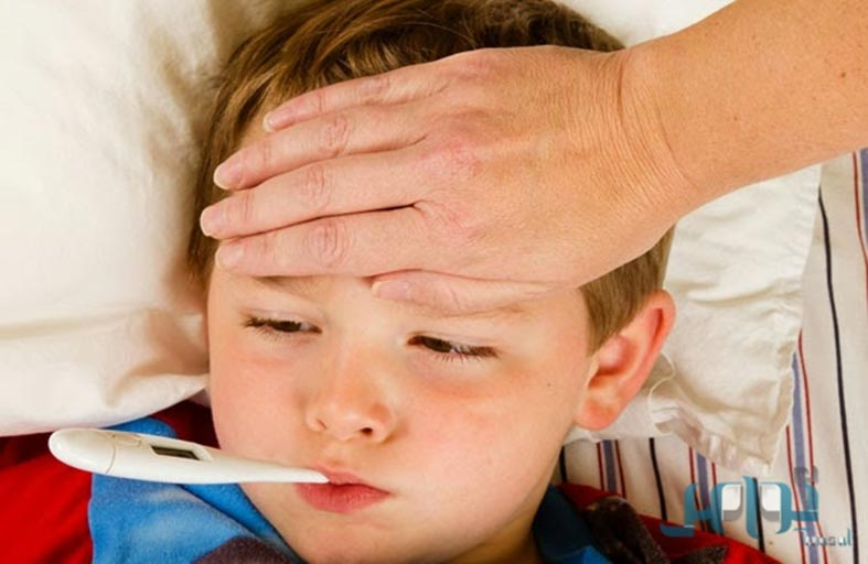 ارتفاع درجة حرارة طفلك.. متى تراجعي الطبيب؟