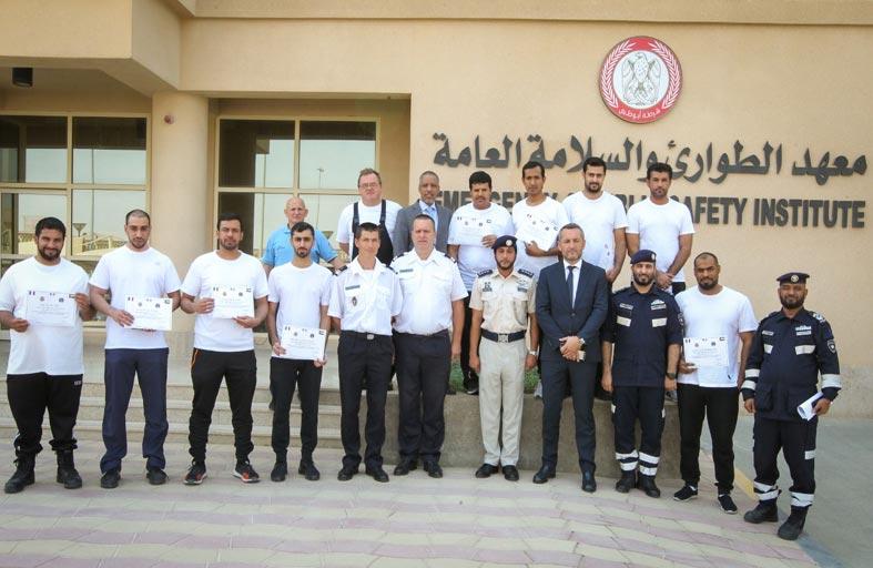تخريج 4 دورات متخصصة في شرطة أبوظبي