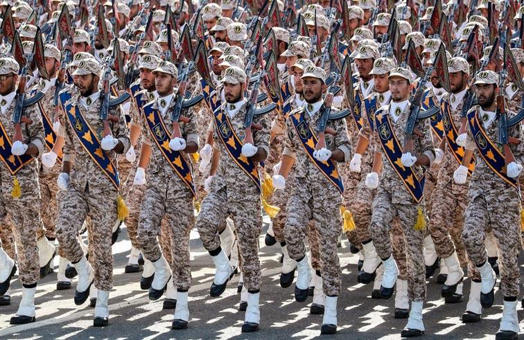 قدرات إيران العسكرية.. تضخيم إعلامي وصناعة مفلسة