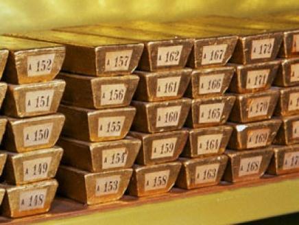 العراق يعزز احتياطيات الذهب لأول مرة منذ سنوات