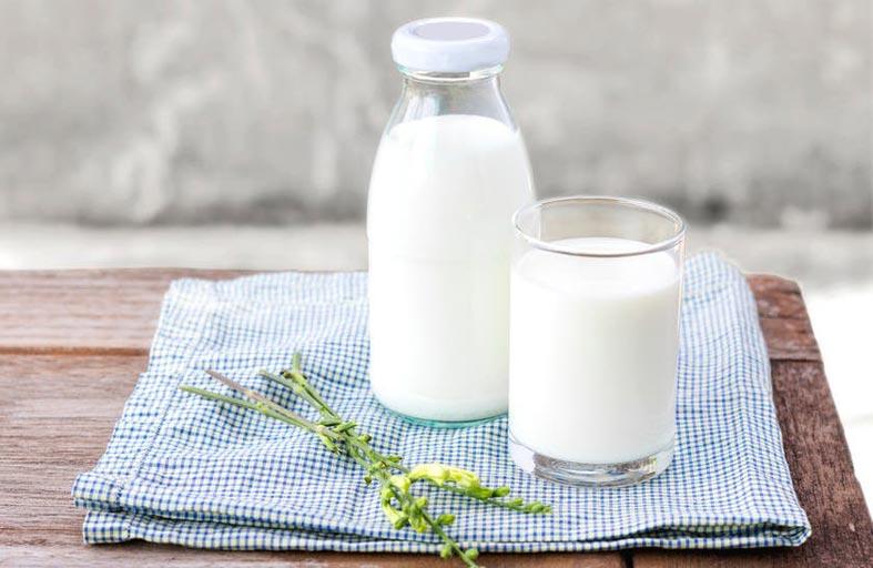 الماء ليس الأكثر ترطيباً بل الحليب وإليك السبب