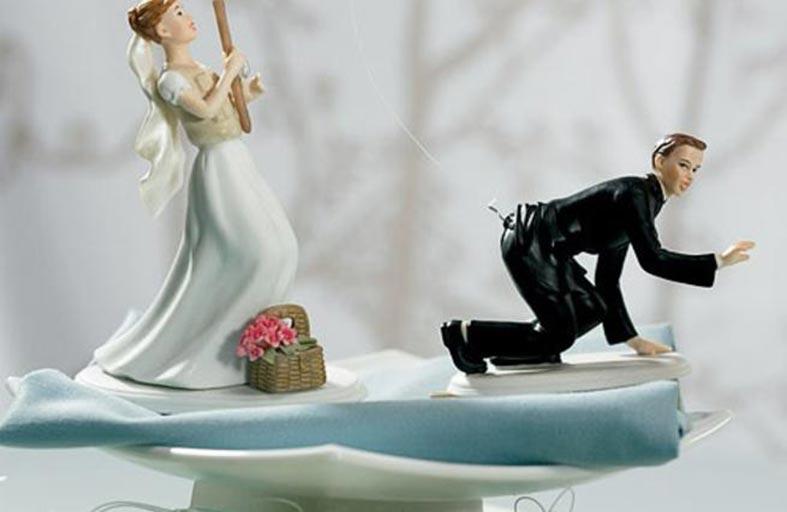 يُقمن حفلات للطلاق تضاهي الزواج