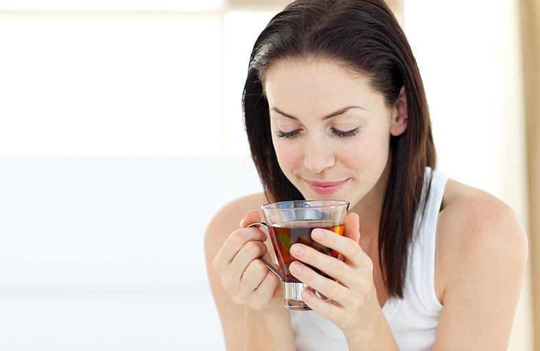 الشاي الساخن يقلل خطر الإصابة بالجلوكوما