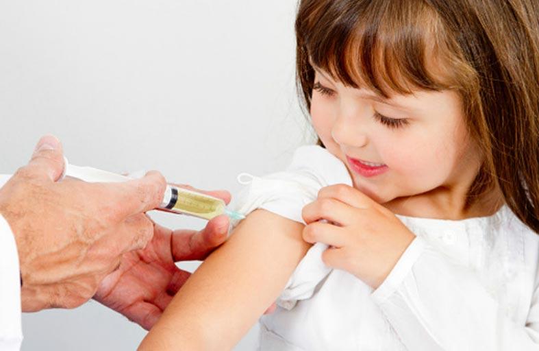 تطعيم الأنفلونزا يحمي الأطفال من المضاعفات