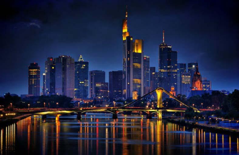 فرانكفورت .. مدينة التناقضات الجذابة